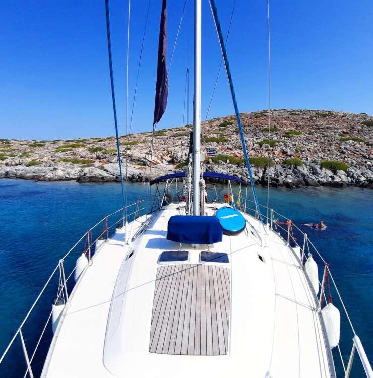 Morning cruise to Dia island